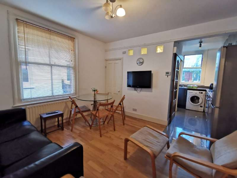 4 Bedrooms Flat for rent in Wotton Road, London NW2