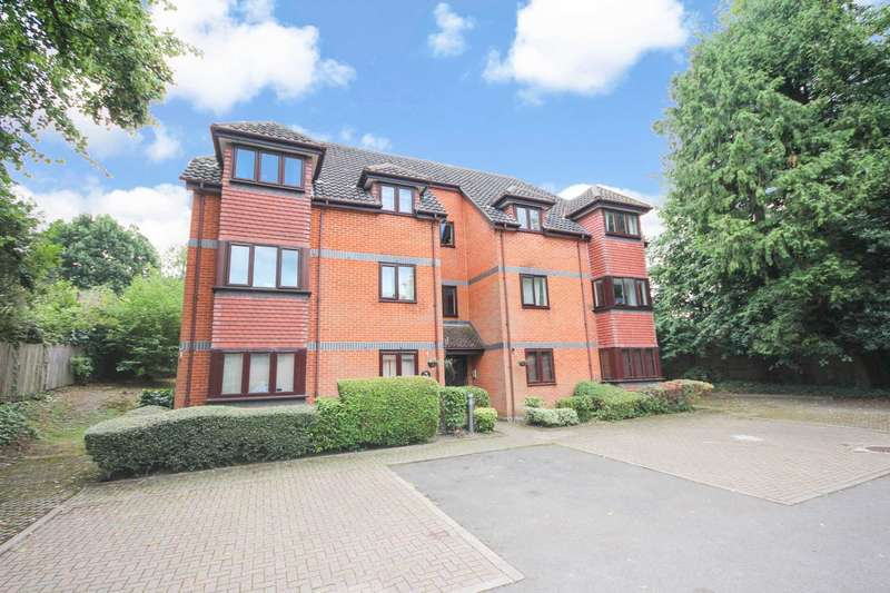 2 Bedrooms Apartment Flat for sale in Crowthorne Road, Bracknell
