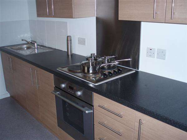 2 Bedrooms Apartment Flat for rent in Alban Street, Broughton, Salford