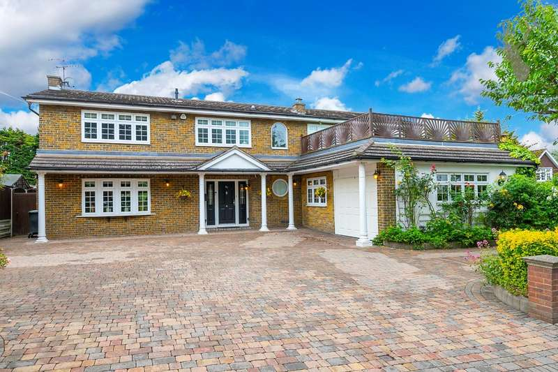 5 Bedrooms Detached House for sale in Theydon Park Road, Theydon Bois, Essex