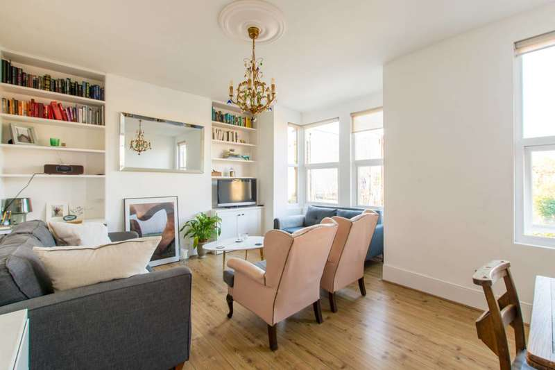 2 Bedrooms Flat for sale in Harrington Road, Leytonstone, E11