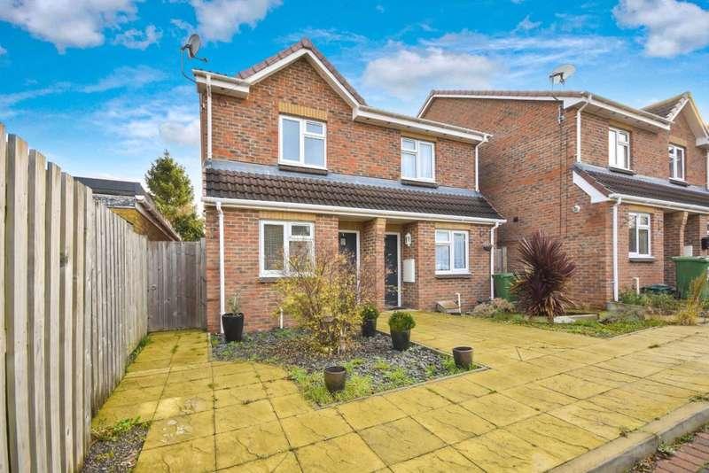 2 Bedrooms Semi Detached House for sale in Salisbury Gardens, Basingstoke, RG22