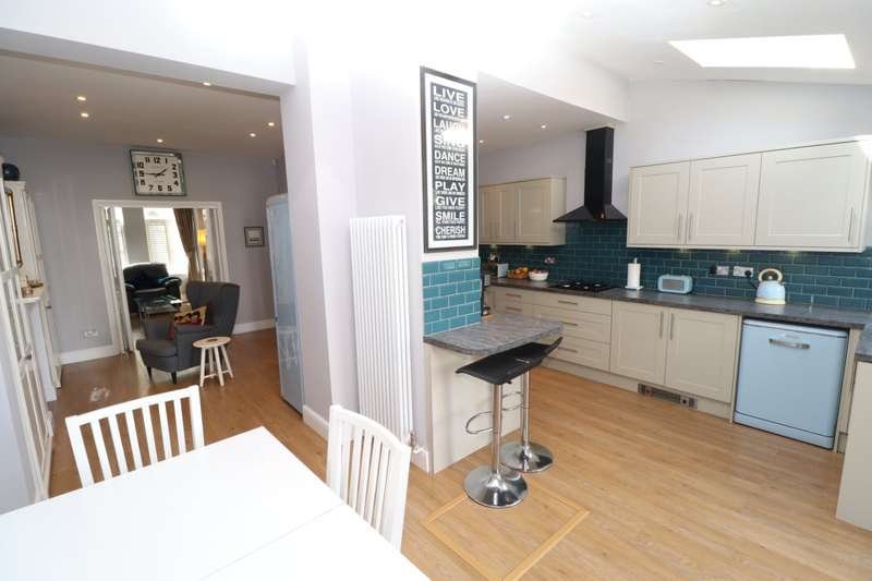 3 Bedrooms End Of Terrace House for sale in Avenue Road, Beckenham, BR3