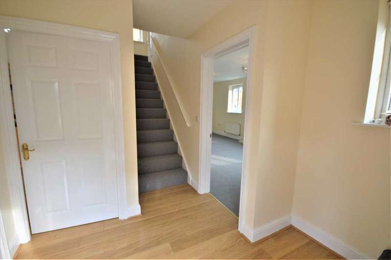 4 Bedrooms Detached House for rent in Muir Place, Wickford