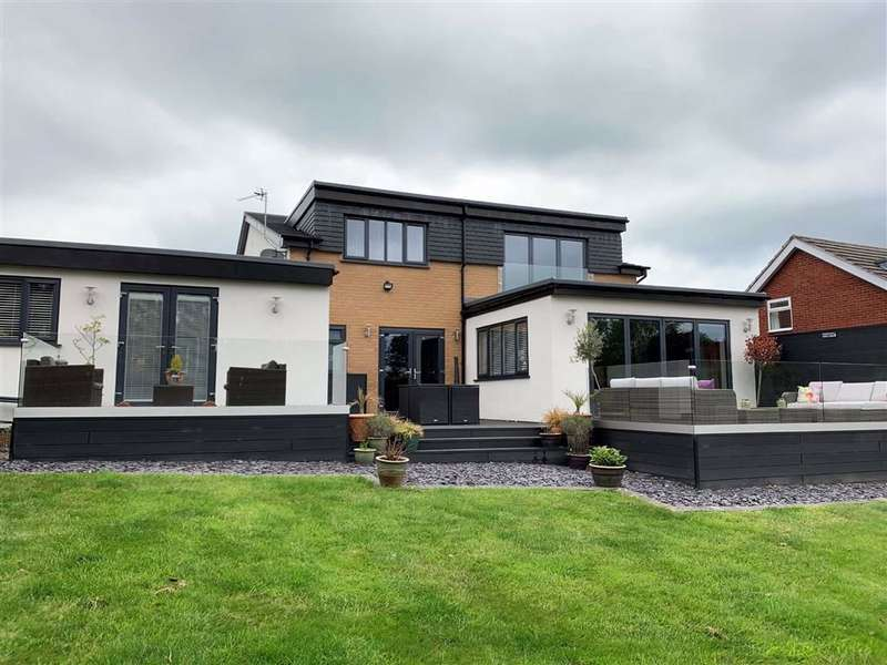 6 Bedrooms Detached House for sale in Lymewood Drive, Disley, Stockport, Cheshire