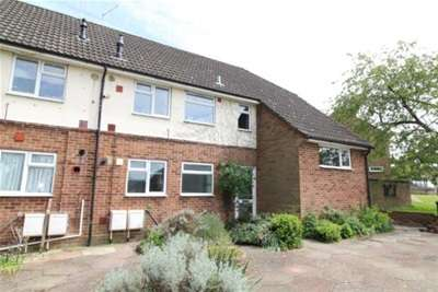 2 Bedrooms Flat for rent in St. Johns Road