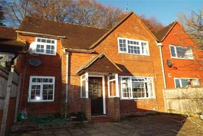 6 Bedrooms House for rent in Cromwell Road, Winchester
