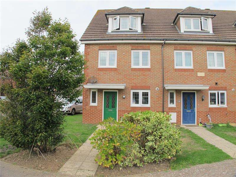 4 Bedrooms End Of Terrace House for sale in Tiger Moth Close, Lee-On-The-Solent, Hampshire, PO13