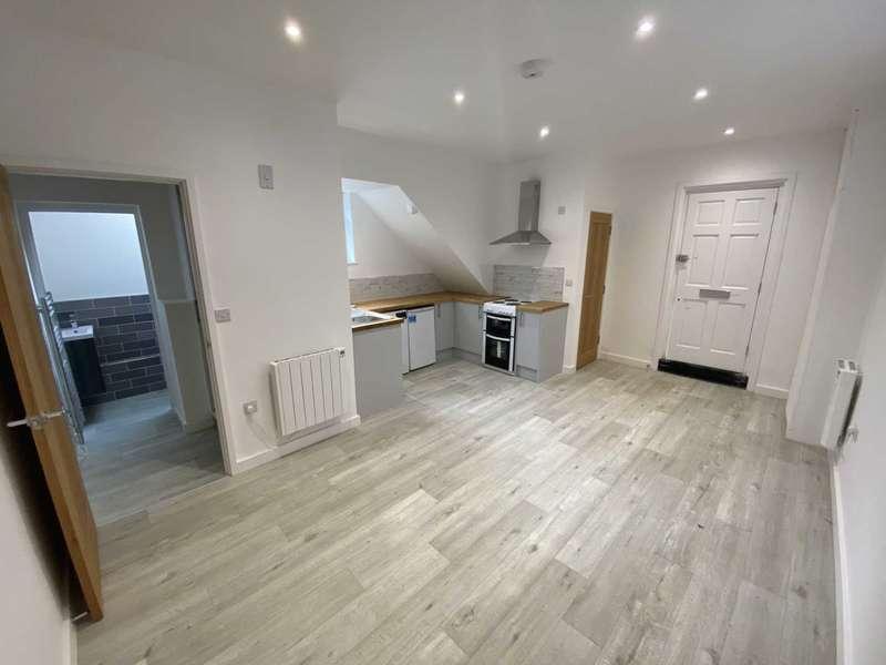 1 Bedroom Duplex Flat for rent in High Street, Kings Langley