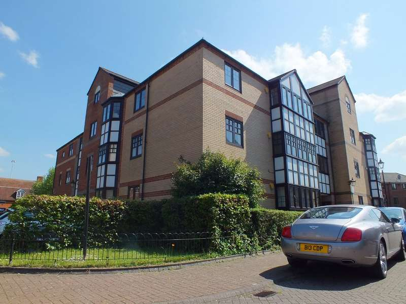 2 Bedrooms Flat for rent in Waterside Gardens, Reading