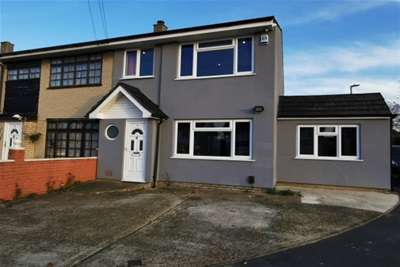4 Bedrooms House for rent in Carfax Road