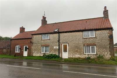 3 Bedrooms Semi Detached House for rent in Foxholes, Driffield