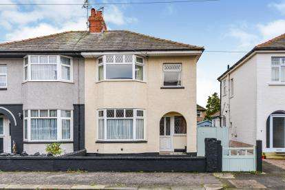 3 Bedrooms Semi Detached House for sale in Carleton Street, Morecambe, Lancashire, United Kingdom, LA4