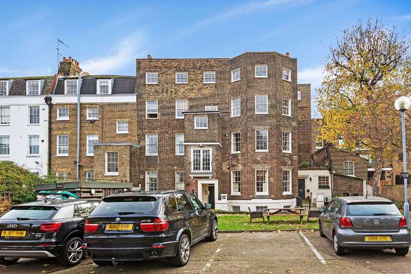 3 Bedrooms Flat for sale in Slievemore Close, Clapham, London