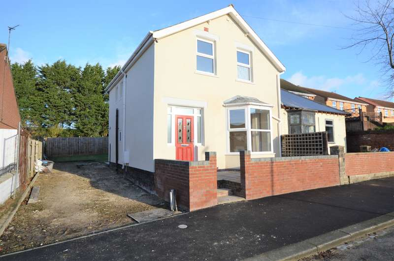 3 Bedrooms Semi Detached House for sale in College Street, Shildon, DL4 1BP