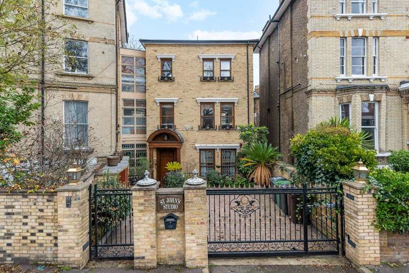 5 Bedrooms House for sale in Harley Road, Swiss Cottage, NW3