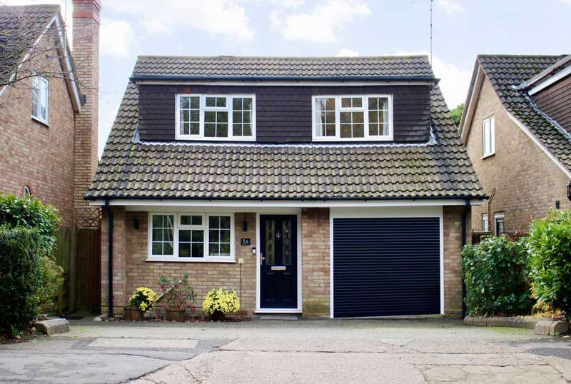 4 Bedrooms Detached House for sale in Northridge Way, Boxmoor