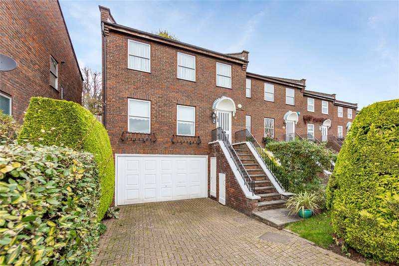 4 Bedrooms End Of Terrace House for sale in The Heights, Loughton, IG10