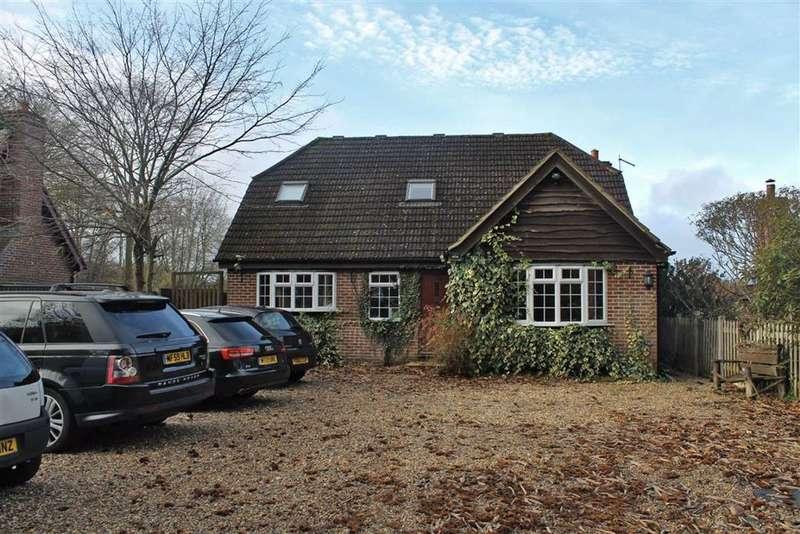 4 Bedrooms Detached Bungalow for sale in Ridge Lane, Meopham