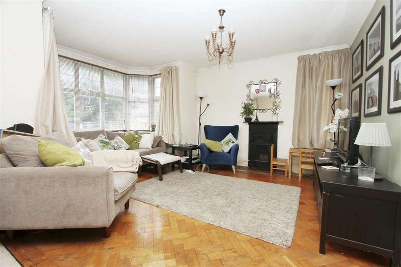3 Bedrooms Semi Detached House for rent in Southcote Rise, Ruislip, HA4