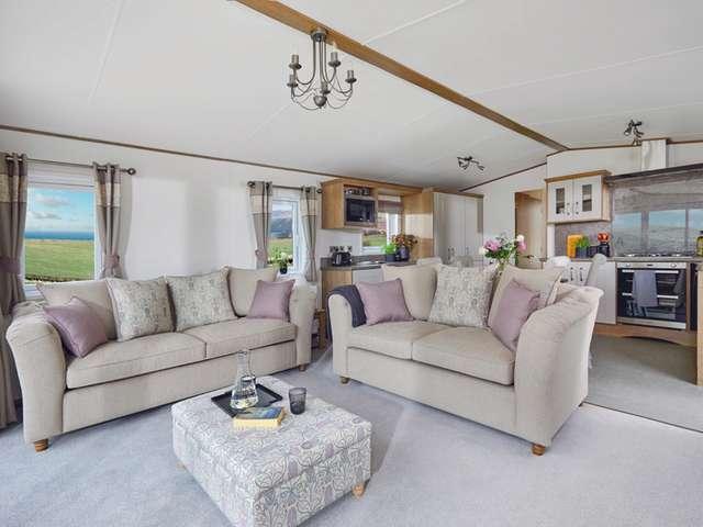 3 Bedrooms Lodge Character Property for sale in Felixstowe Beach, Felixstowe