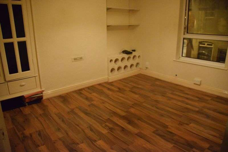 Property for rent in Highfield Road - Could be a 1 or 2 bedroom Flat