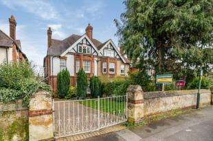 6 Bedrooms Semi Detached House for sale in Buckland Road, Maidstone, Kent