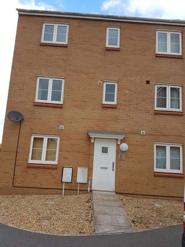 1 Bedroom Property for rent in Room 4, Chillingham Drove, TA6 6GB