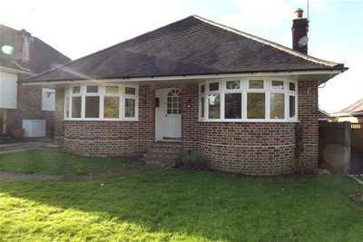 3 Bedrooms Bungalow for rent in Ashurst