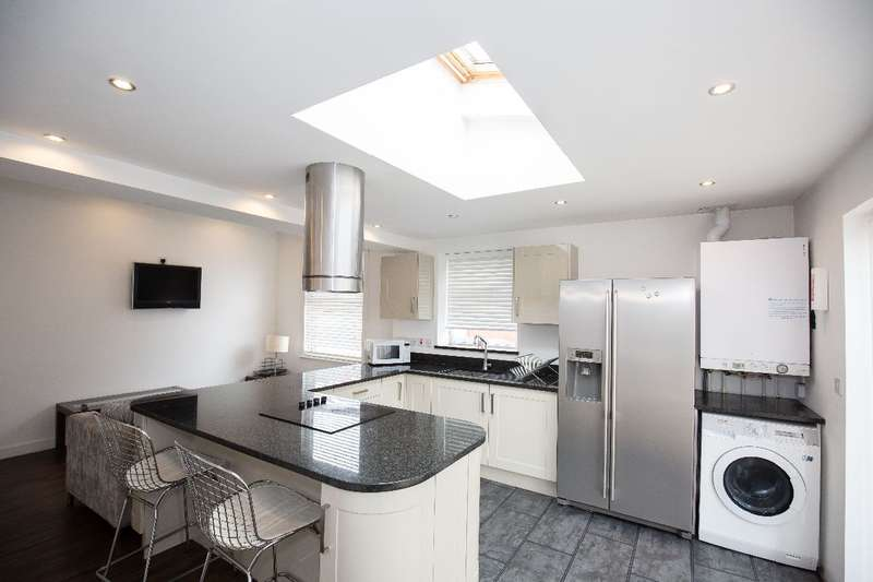 6 Bedrooms Semi Detached House for rent in Kensington Road, Coventry