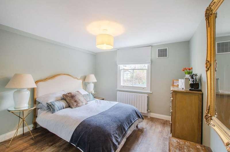 2 Bedrooms Flat for rent in Muschamp Road, Peckham Rye, SE15