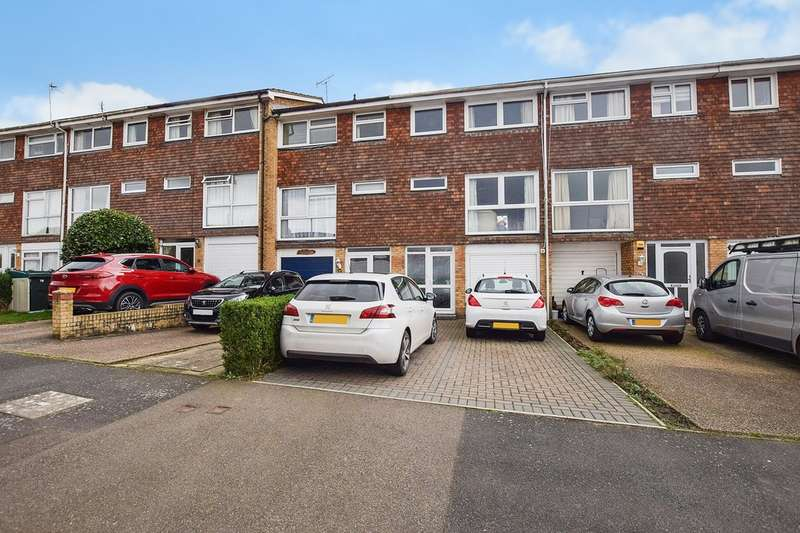 3 Bedrooms Town House for sale in Mabledon Avenue, Ashford