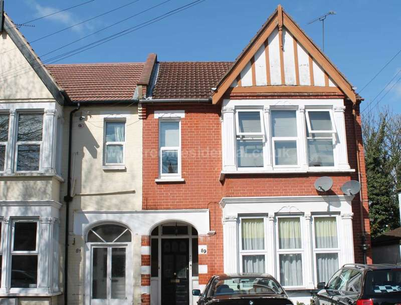 1 Bedroom Flat for rent in Valkyrie Road, Westcliff On Sea