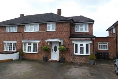 5 Bedrooms Semi Detached House for rent in Uvedale Crescent, Croydon CR0