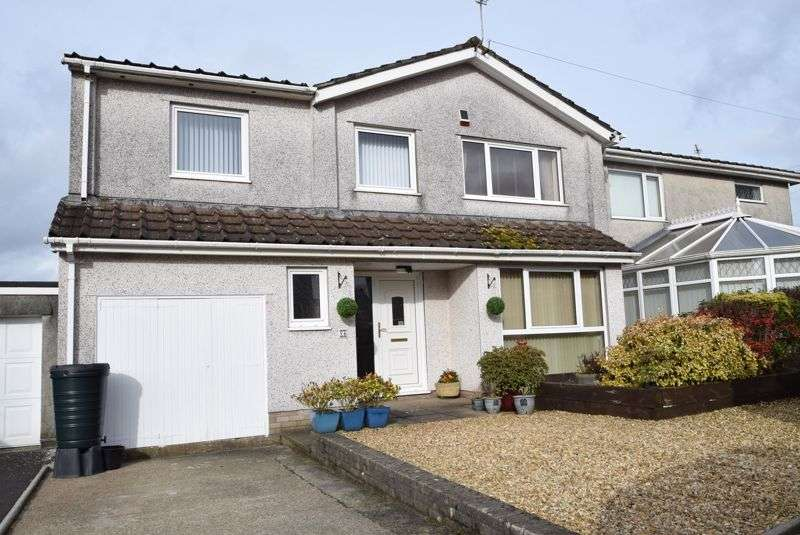 4 Bedrooms Property for sale in Russell Close, Pontypool