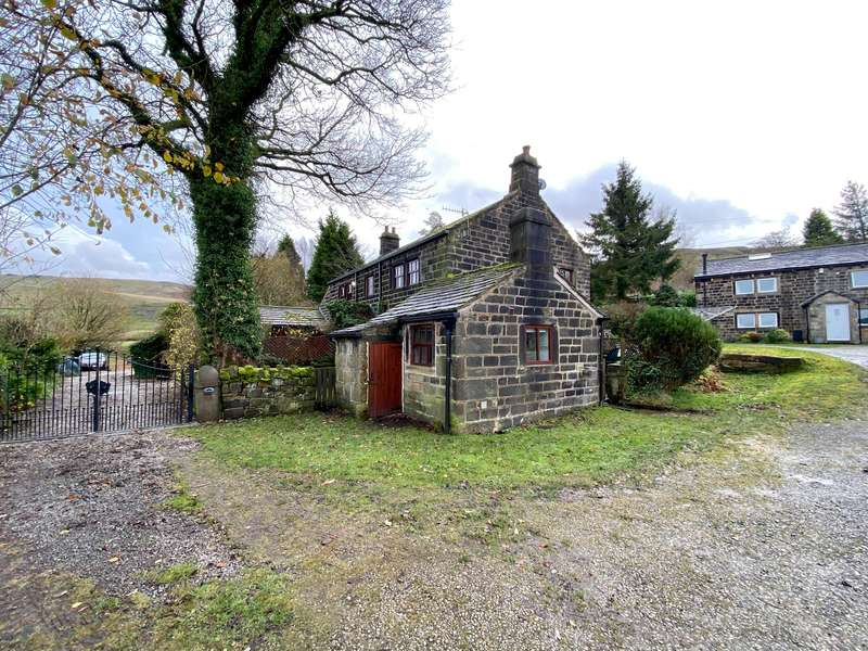 2 Bedrooms Cottage House for rent in Croft Carr, Lumbutts, OL14