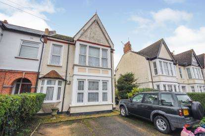 1 Bedroom Flat for sale in Westcliff-On-Sea, ., Essex