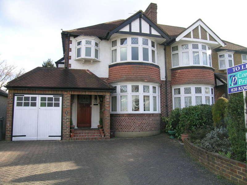3 Bedrooms Semi Detached House for sale in Forestside, Worcester Park