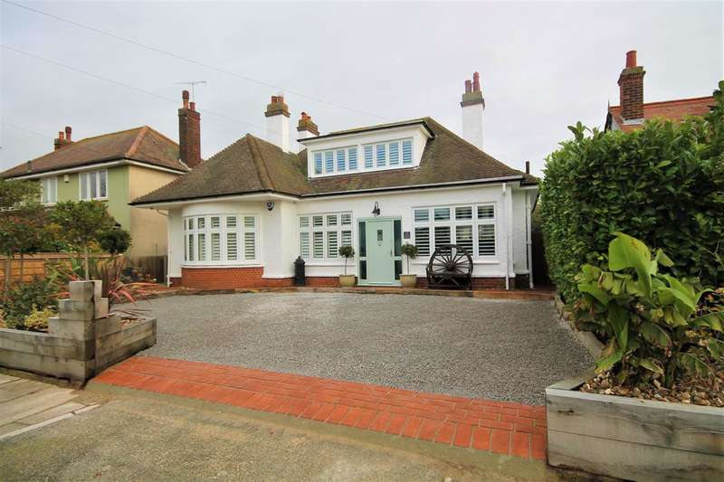 5 Bedrooms Detached House for sale in Russell Road, East Clacton