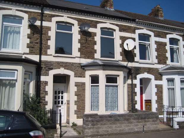 3 Bedrooms Terraced House for rent in Habershon Street, Cardiff, South Glamorgan