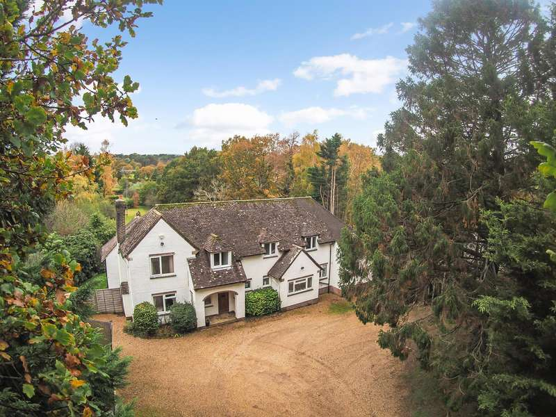 5 Bedrooms Detached House for sale in Colebrook Lane, Watersfield, West Sussex, RH20