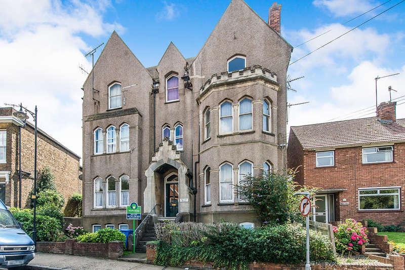 1 Bedroom Flat for rent in South Road, Faversham, ME13