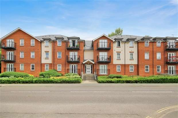 2 Bedrooms Flat for sale in Station Road, Harpenden