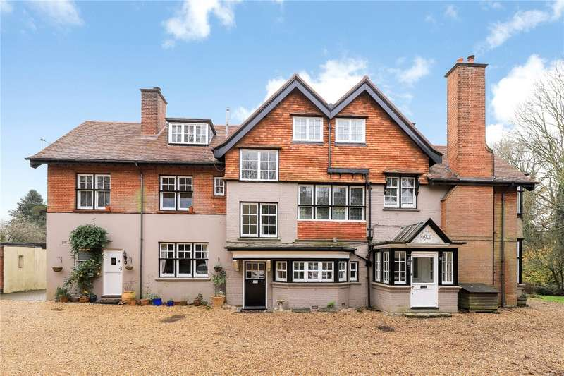 2 Bedrooms Flat for sale in Southdown Court, Southdown Road, Winchester, Hampshire, SO21