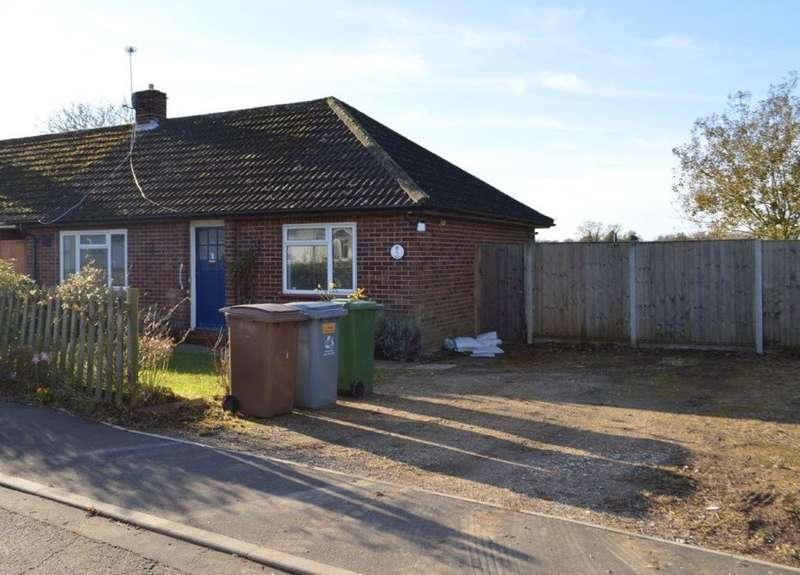 2 Bedrooms Bungalow for rent in Wroxham