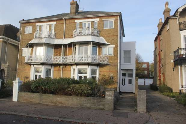 2 Bedrooms Flat for sale in 35 Clifftown Parade, Southend-on-Sea