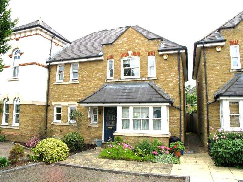 3 Bedrooms Semi Detached House for sale in Admiralty Way, Teddington, TW11