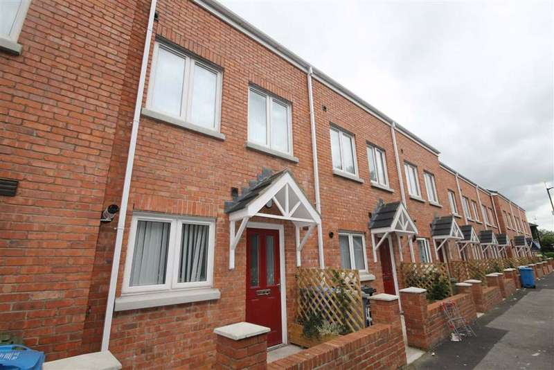4 Bedrooms Town House for rent in Croston Terrace, Manchester