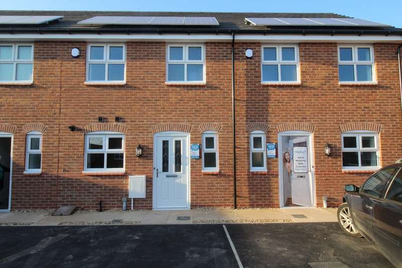 2 Bedrooms Property for rent in Rectory Drive, Coppull, Chorley