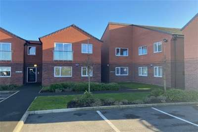 2 Bedrooms Flat for rent in Peveril Place, Chesterfield, Derbyshire, S44